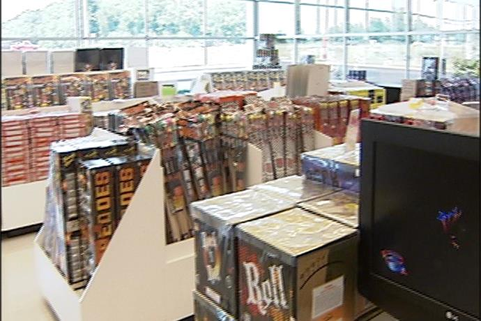 Fireworks Fanatic Takes Business From Small Stand to Showrooms_5781790053168533456
