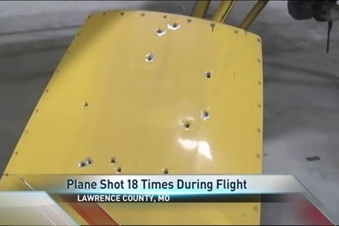 Plane Shot at in Flight_6226828849476683821