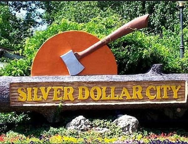 Silver Dollar City sign_7066218159035926155