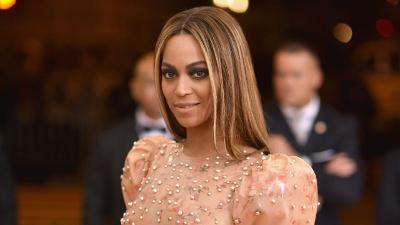 Beyonce-at-2016-Met-Gala-jpg_20160827014601-159532