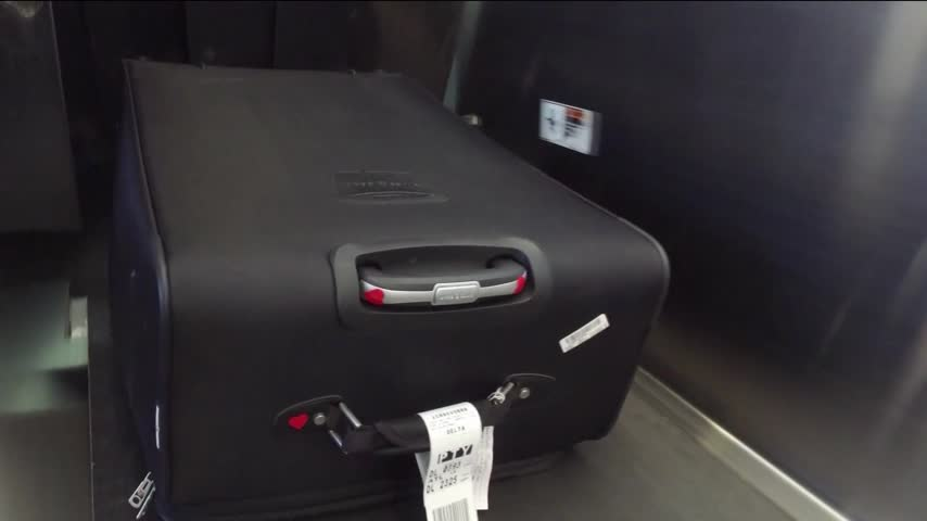 Airline Tests New System to Prevent Lost Luggage_35536486-159532