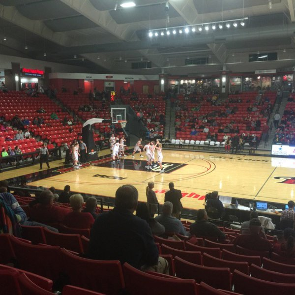 Drury Basketball_1448157092786.jpg