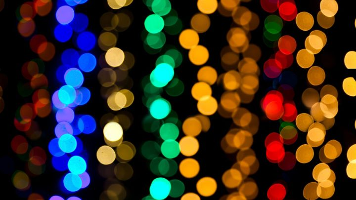 Christmas lights blurred_1476176758585.jpg
