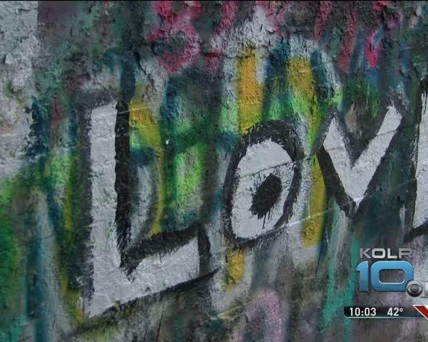 Lebanon-s Graffiti Tunnel Vandalized_98267605-159532