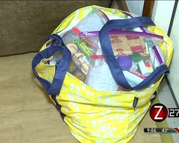 Non-Profit Makes -Blessing Bags- to Deliver to Homeless_85683738-159532