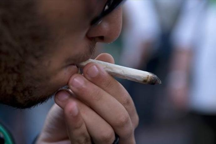 marijuana smoker_261584390148541882