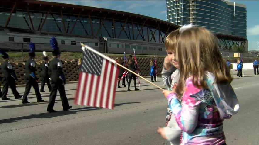 Thousands Gather For Branson Veteran-s Day Parade_95637010-159532
