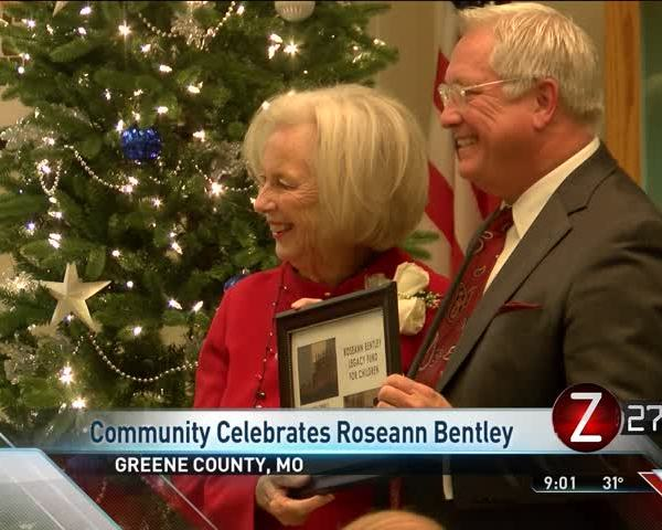 Community Honors Retiring Commissioner Roseann Bentley_00536760
