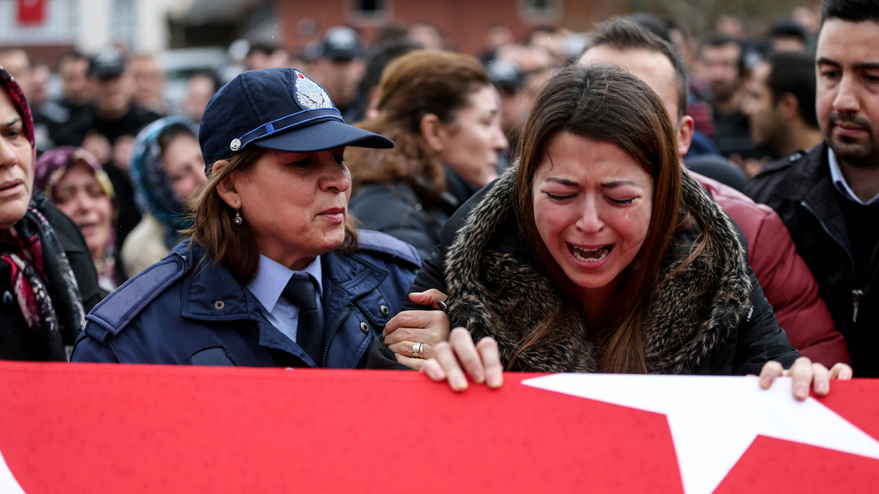 Istanbul%20attack-mourning_1483264509412_173069_ver1_20170101101420-159532