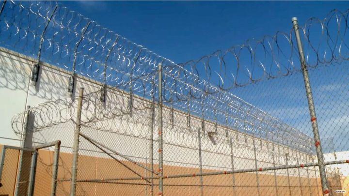 prison fence_1485480822152.jpg