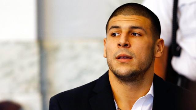 Aaron Hernandez in court_3062470215456386-159532