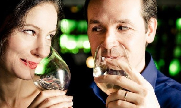 middle-aged-couple-drinking-wine-on-date_159875_ver1_20161214200121-159532