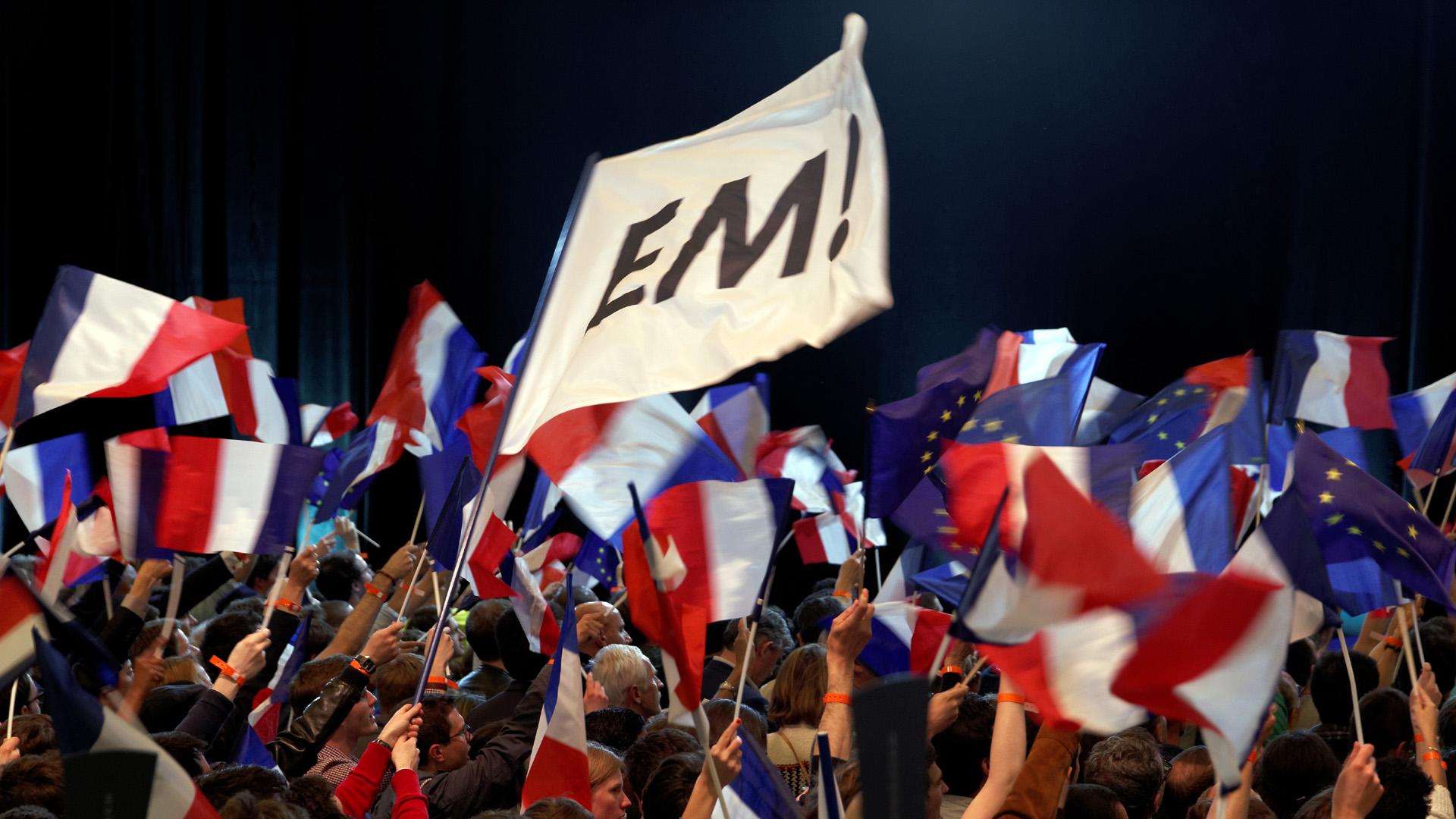 En Marche! flag Emmanuel Marcon82292280-159532