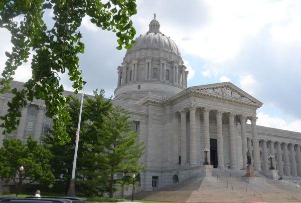 Missouri capitol building_1490371753013.jpg