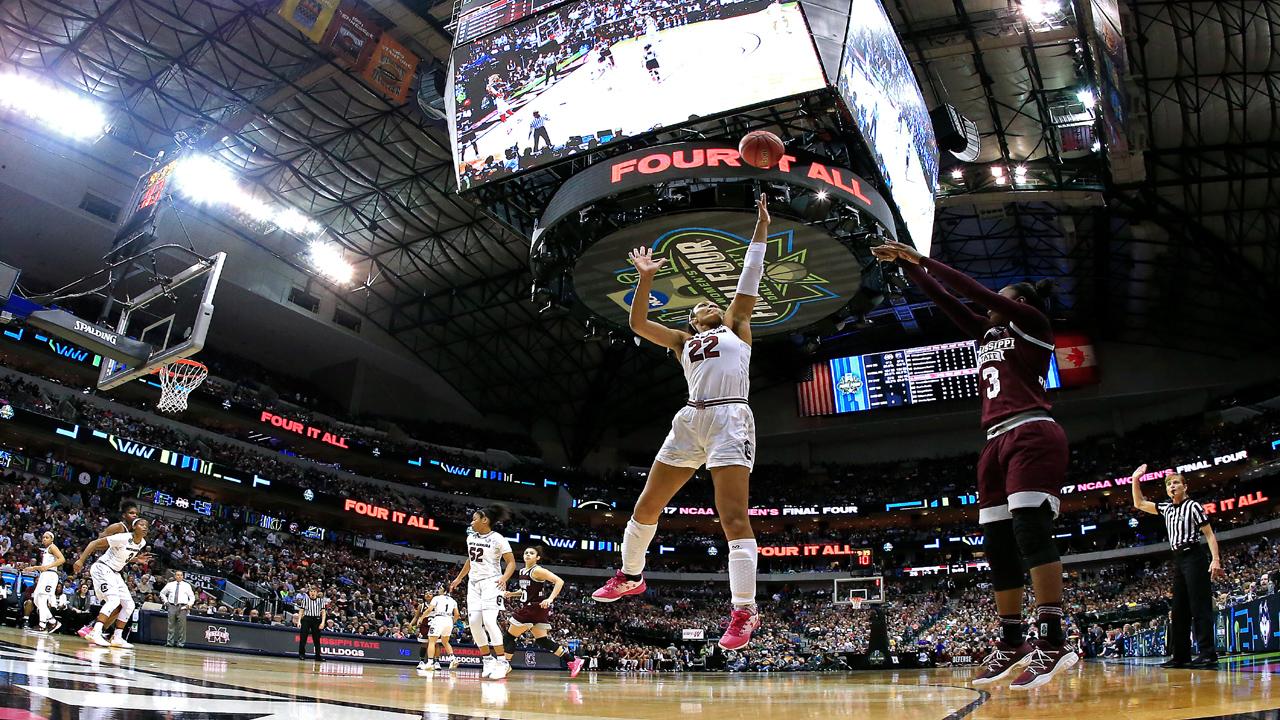 South Carolina NCAA women's bball23181976-159532