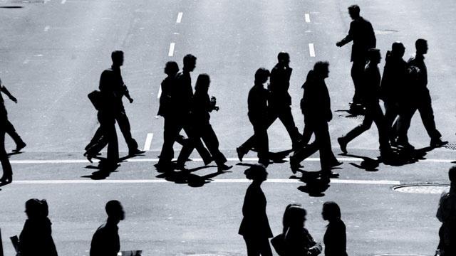 pedestrians walking across the street_119171849095310-159532