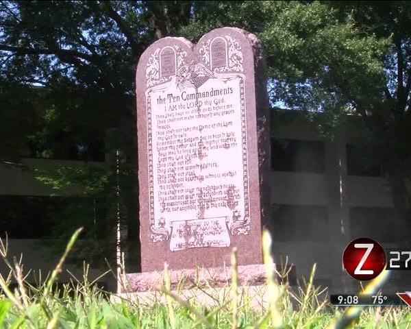 Arkansas Puts Up Monument of 10 Commandments_88889099