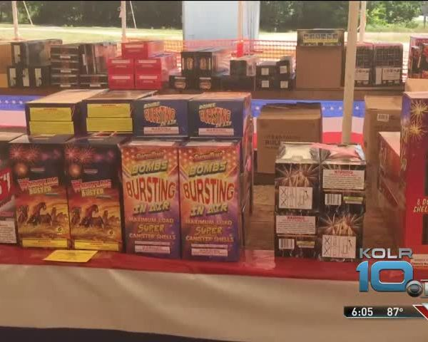 Fireworks Sales Kick Off with a Boom_63537629
