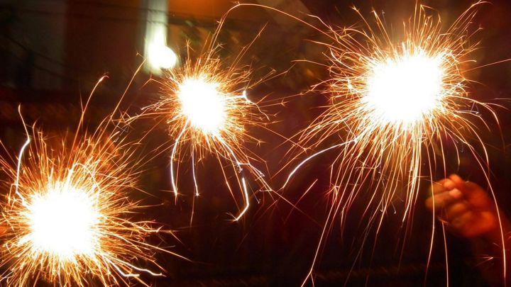 sparklers_1498695654896.jpg