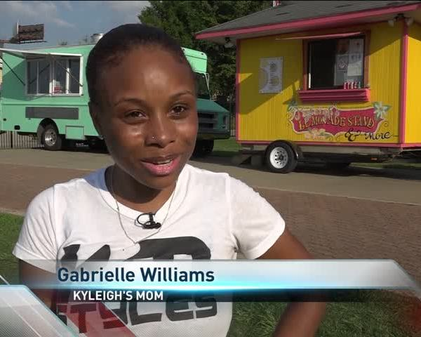 Arkansas Girl Puts a Twist on the Typical Lemonade Stand_35861347