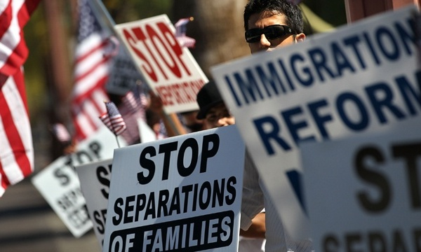 Immigration law supporters_2686031468103013-159532