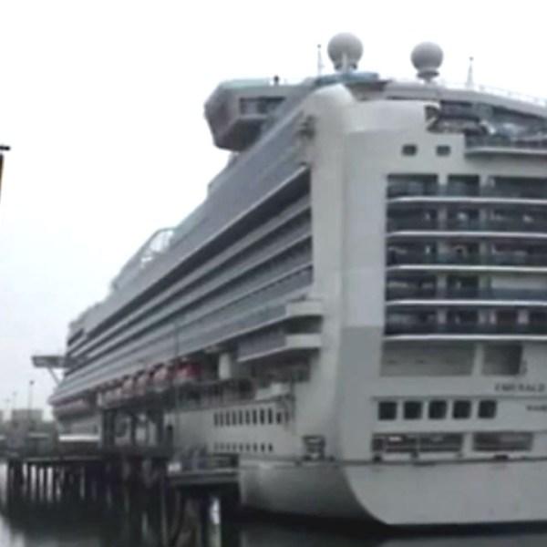 cruise ship31520391-159532