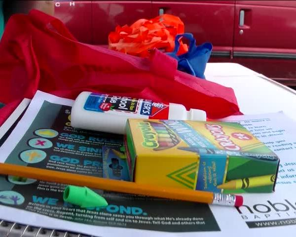 Back to School Assistance Programs Giving Free Supplies_09511479