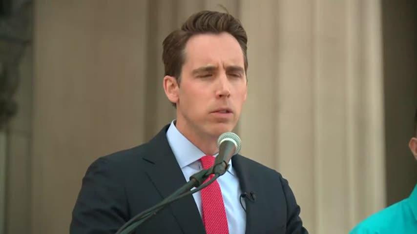 Hawley Sues Opioid Manufacturers_41242800