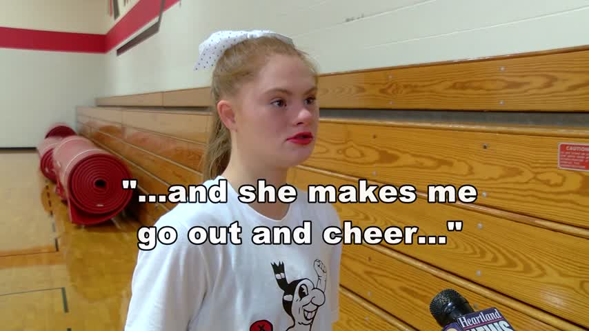 Missouri Teen with Down Syndrome Makes Cheer Squad_54542503