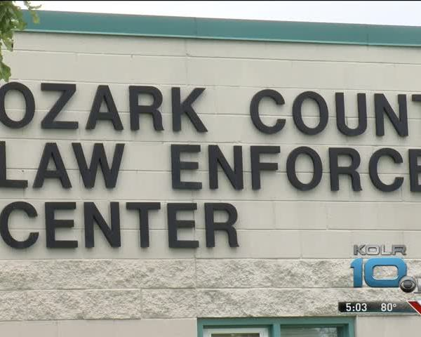 Ozark County Sheriff Speaks on Death Investigation_25062985