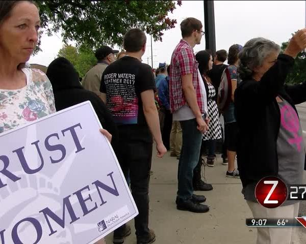 Springfield- STL Rallies Call for End to Violence_20219740