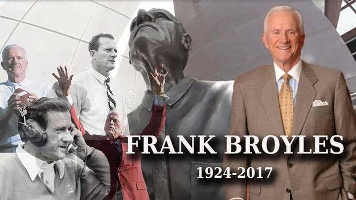 frank broyles_1502739282675.jpg