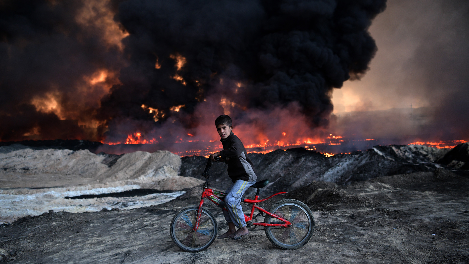 mosul bike oil field20098307-159532