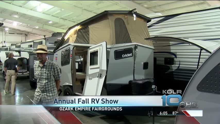 Annual Fall RV Sale Showcases Amphibious RV_83751419