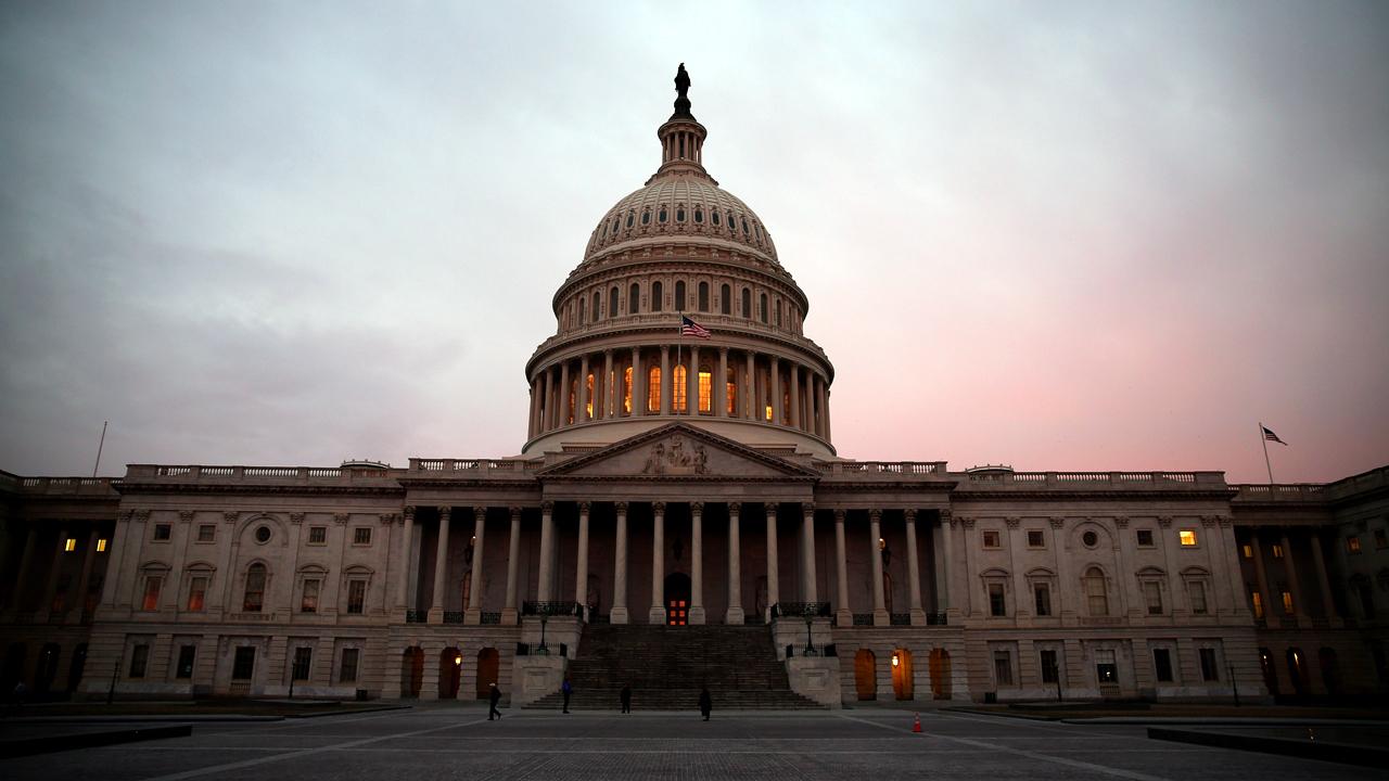 Sunrise over US Capitol-159532.jpg31269136