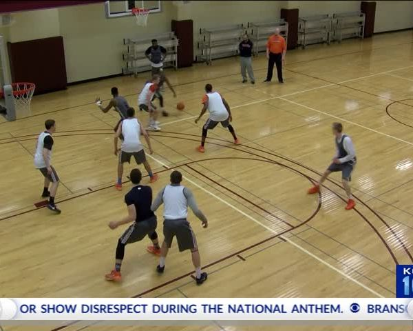 Branson Expects to Lost Money Along with NAIA Tournament_38620560