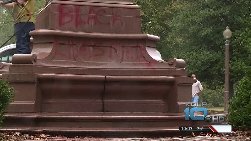 Christopher Columbus Statue Vandalized in St- Louis_53677440