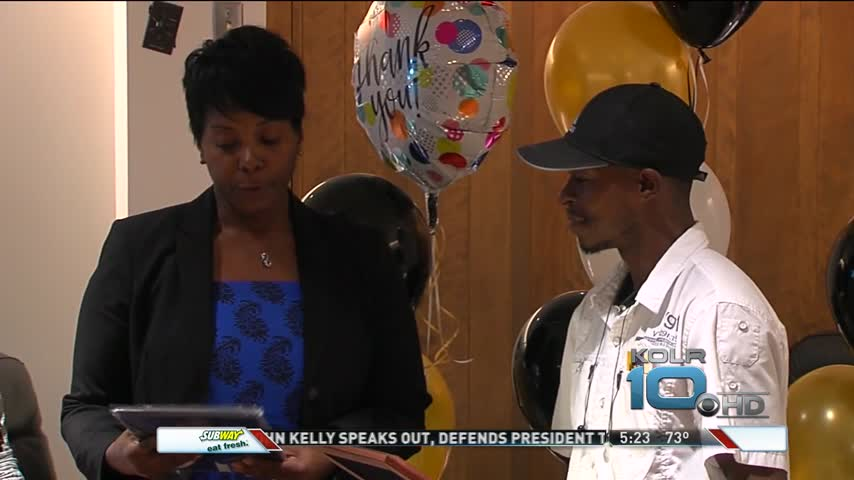 Missouri Bus Driver Honored After Saving Elementary Students_97301934