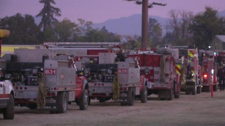 firetrucks california_1508278497019.jpg