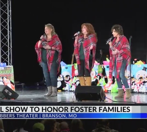Branson_Christmas_Show_Honors_Foster_Chi_0_20171211032502