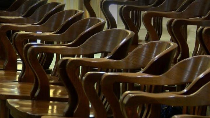 chairs_1512700373827.jpg