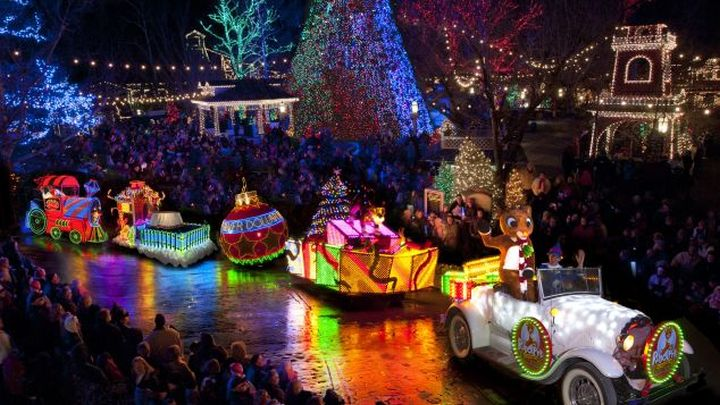 Best Places For Christmas In Usa.8 Best Places To See Christmas Lights In The Usa