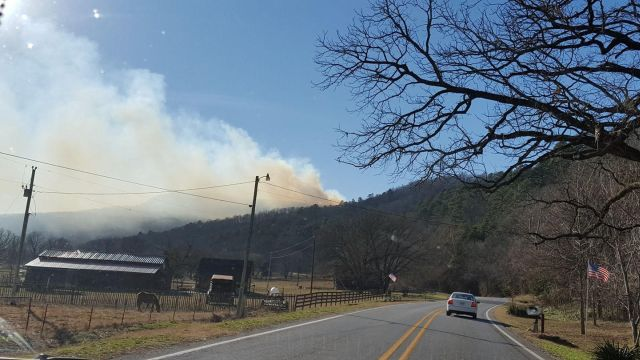 smoke from Boxley fire_1513011607004.jpg