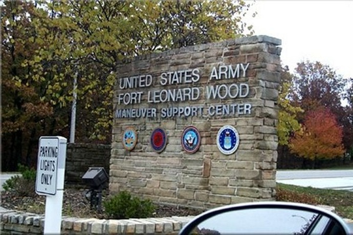 Fort Leonard Wood gate_-7562318449670863492