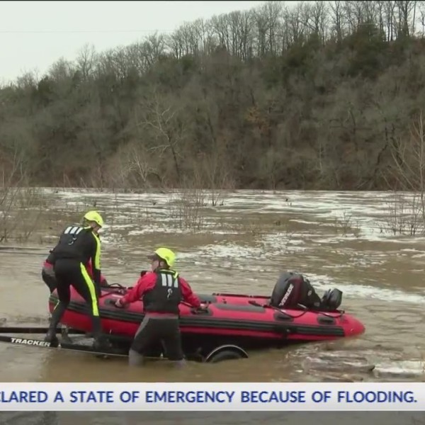 After_Water_Rescue_Initiated__Kayaker_Fo_0_20180225032329