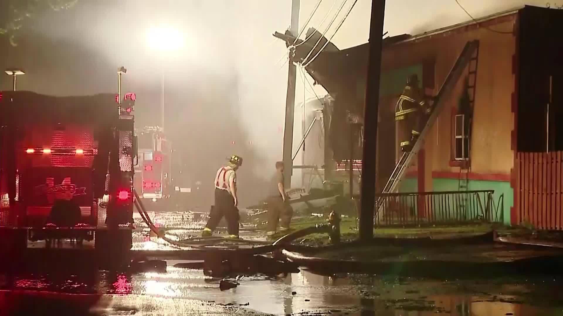 Flag_Survives_Bar_Fire_in_Pennsylvania_0_20180519220106