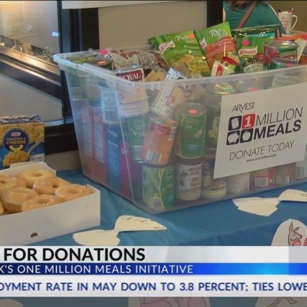 Arvest_Bank_Trades_Donuts_for_Donations_0_20180602022951