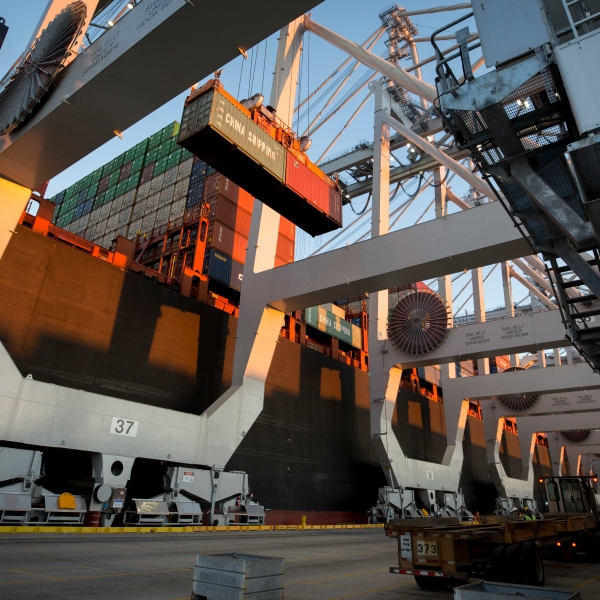 China_US_Trade_99565-159532.jpg71707907