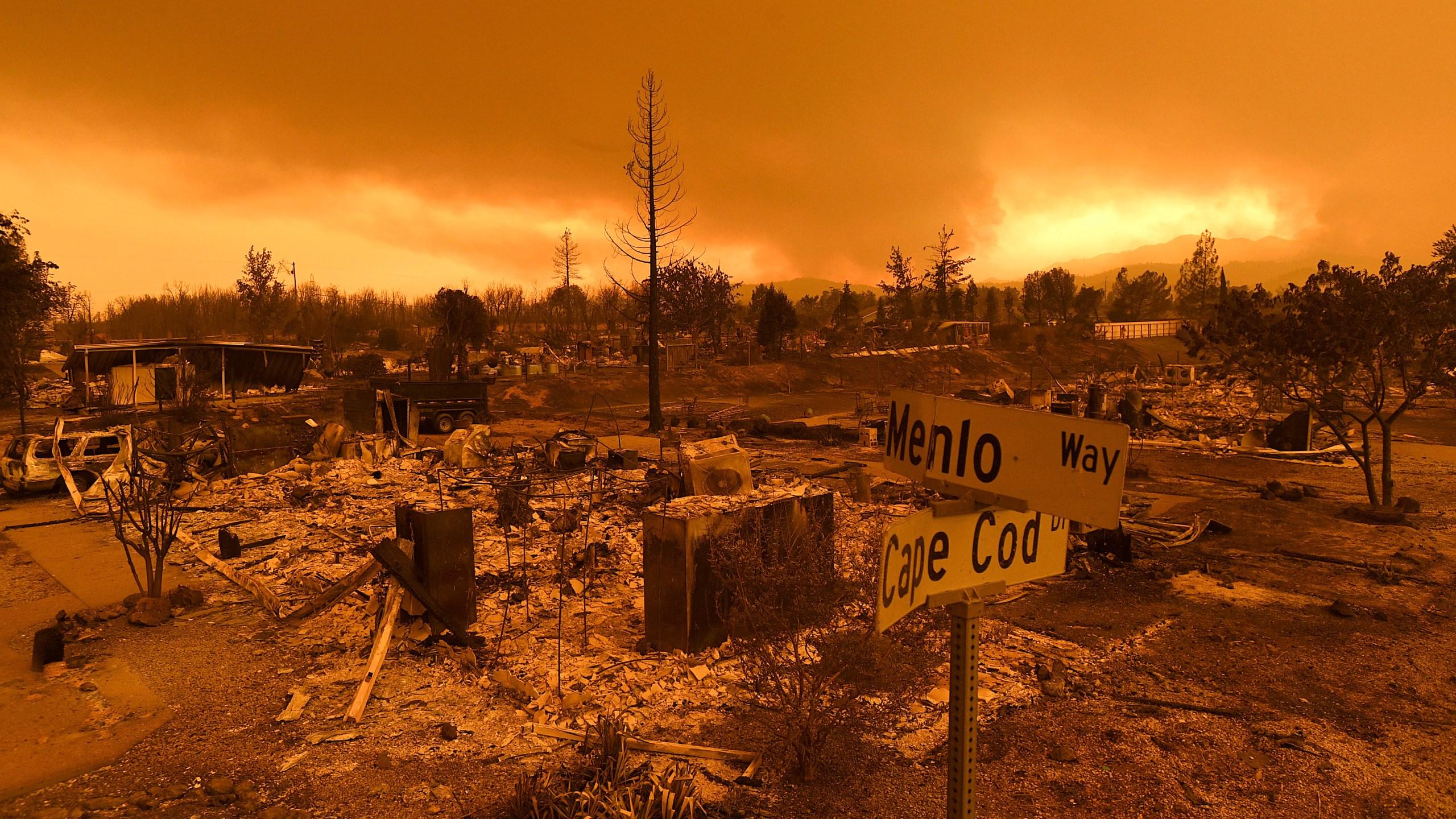 APTOPIX_California_Wildfires_37603-159532.jpg81281270