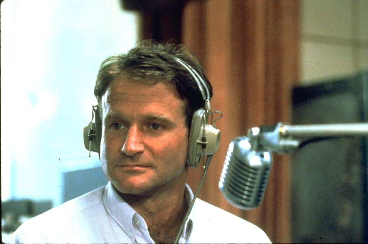 Robin-Williams---Good-Morning-Vietnam-1987-jpg_161418_ver1_20161222170340-159532